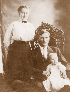 Ottie,Harry, & baby Mildred. Circa 1912